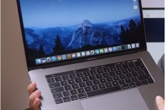 hands-on-macbook-pro-2017-lcd-keyboard